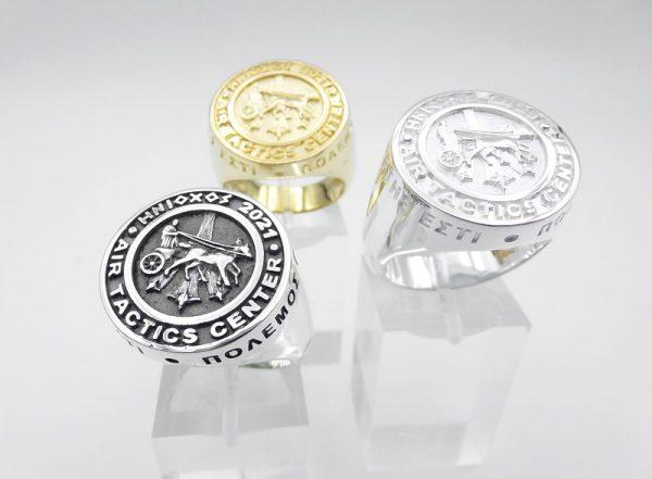 [:en]INIOCHOS 2021 Sterling Silver & Gold Ring[:el]ΗΝΙΟΧΟΣ 2021 Ασημένιο δαχτυλίδι [:]